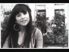 """Linda Ronstadt ~ """"Poor Poor Pitiful Me""""---The Late 60's and the 1970's Saw This Superb Artist Top the Charts With Some Great Songs...This Is One Of My Favorites...Wow, What Phrasing....""""....woe is me...""""....Oh, I Wanna Go Back To This Great Music Again & These Special Times!!"""