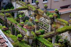 Lyon insolite : découvrir autrement l'ancienne capitale des Gaules   http://bit.ly/1KYYngv  #EuropeInsolite, #FranceInsolite, #ParcsEtJardins, #SitesEtPatrimoineUnesco