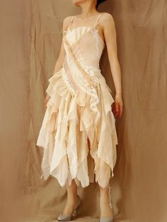 Wedding Bride Bridesmaid Prom Costume Rustic Boho Chic Gypsy Vintage Pearl Beige Cream Lace Tattered Dress Dancing Party (M / Custom Order)
