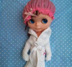 Blythe shower cap & bathrobe by RainbowDaisies on Etsy