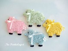 How to make Easter lamb cookies (The Partiologist).
