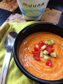 As the weather gets warmer, it's time to start thinking about summer meals! Minxeats has blended creamy Muuna cottage cheese with roasted vegetables to create a refreshing Gazpacho. Click here for the recipe: