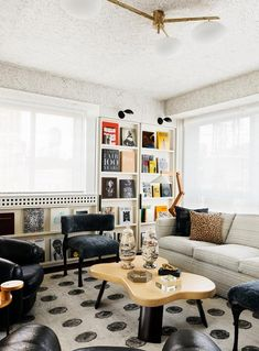 Two powerful and successful females came together for the design of this New York apartment – one, an astute businesswoman, the other, uber designer Kelly Wearstler. New York City Apartment, Apartment Living, Incredible Kids, Palm Springs Style, Mansions Homes, Kelly Wearstler, Step Inside, Mid Century House, Indoor