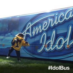 Look who came to the #IdolBus in Iowa City - Go Hawkeyes! Next stop, Fountain Square Park in Bowling Green, KY on 8/17 via @American Idol