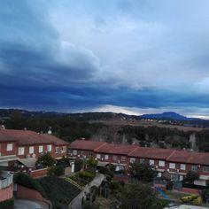 Lloverá? #lluvia #pluja #dialluvioso #invierno #rain #nubes #nubesdelluvia #clouds