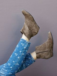 """Say Cheese"" - BC Footwear #boots #fallstyle #saycheese"
