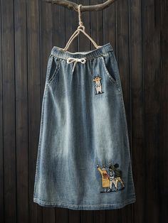 Amazing Vintage Cartoon Embroidery Elastic Waist Denim Skirt with Pockets on Newchic, there is always a plus size shorts & skirts that suits you! Jeans Trend, Painted Denim Jacket, Themed Outfits, Plus Size T Shirts, Skirts With Pockets, Sewing Clothes, Boho Outfits, Trends, Plus Size Fashion