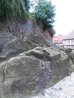 At the basis of the castle, some of the streets were built in stone.
