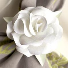 Paper Rose Napkin Ring... this would be a beautiful wedding dinner decoration  Carol