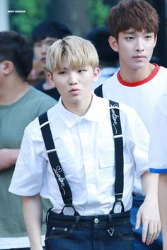 Woozi and DK! Omg Woozi is just so cute! They're both precious I can't