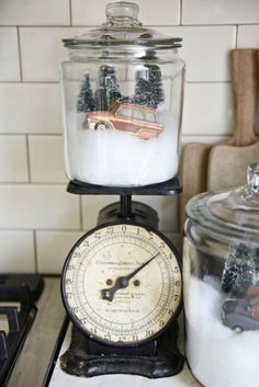 DIY Snow globe jars – A quick easy Christmas DIY that could be used all winter. Made with ornaments, fake snow, some trees. These would look amazing on Christmas mantel, table centerpiece, in… Farmhouse Christmas Decor, Rustic Christmas, Simple Christmas, Winter Christmas, Christmas Home, Christmas Design, Christmas Island, Christmas Lights, Christmas Vacation