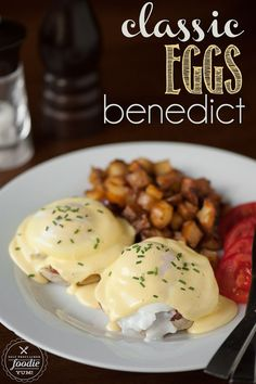 Making a delicious Classic Eggs Benedict breakfast at home is much easier than you think, especially when you whirl up the hollandaise sauce in the blender. Breakfast Items, Breakfast Dishes, Best Breakfast, Breakfast Recipes, Mexican Breakfast, Breakfast Sandwiches, Breakfast Pizza, Easy Eggs Benedict, Eggs Benedict Recipe