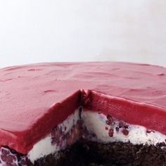 Chocolate-Berry Ice Cream Cake, perfect with Yorvale Red Cherry Swirl Ice Cream! http://www.topdessertrecipes.net/in-the-mood-for-ice-cream-cake-try-these-41-recipes/24/