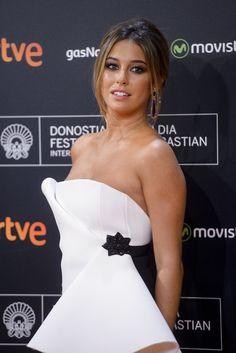 El joven actor ha aparecido en numerosas fotografías con la actriz paseando por las calles de Madrid. No es la primera conquista conocida del actor...