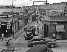 Antigua esquina entre Curamichate a Pajaritos y esquina de Peinero, todo esto fue demolido en 1950 para la construcción de lo que hoy es la Avenida Bolívar hacia los túneles del Centro Simón Bolívar - Circa 40s