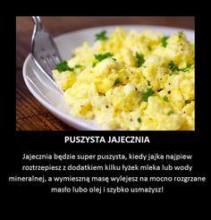 Oto trik, który zmieni twoją jajecznicę na zawsze! Small Meals, Slow Food, How To Cook Eggs, Healthy Baking, Food Hacks, Breakfast Recipes, Food Porn, Food And Drink, Cooking Recipes