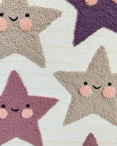 Tambour Embroidery, Embroidery Art, Embroidery Designs, Cream Pillow Covers, Crafty Fox, Punch Needle Patterns, Minnie Mouse Party, Punch Art, Handmade Felt