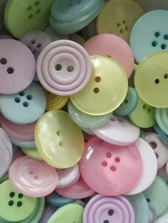 Pastel buttons - so delicate Button Art, Button Crafts, Soft Colors, Pastel Colors, Soft Pastels, Rainbow Colours, Deco Pastel, Pastel Candy, Pastel Palette