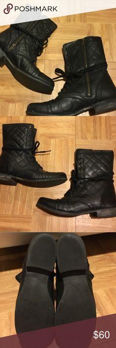Steve Madden combat boots sz10 black Steve Madden combat boots sz10 black quilted on sides. Hardly worn. Excellent condition. Please ask questions side zipper wrap around laces Steve Madden Shoes Combat & Moto Boots