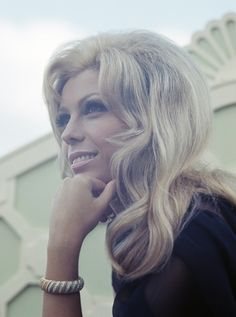 Nancy Sinatra, 1967: Her hair is the life of the party