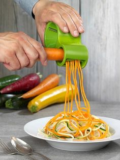 Microplane Spiral Cutter - What's the BEST Spiral Vegetable Slicer? Read the reviews here: http://homeproductreviews.siterubix.com/best-spiral-vegetable-slicer-reviews-ratings