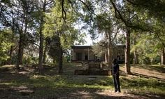 'This is surreal': descendants of slaves and slaveowners meet on US plantation
