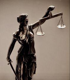 [[ δικαιοσύνη ]]  ₪ everyone needs a stab of justice though be wary if she stabs you instead ₪