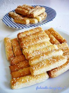 Gabriella kalandjai a konyhában :): Sajtos leveles sütemény - avagy sajtos rúd Hungarian Recipes, Hungarian Food, Rum, Waffles, French Toast, Bacon, Breakfast, Cake, Drinks