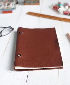 DIY: leather sketchbook