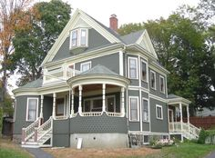 Stately Victorian Queen Anne by Historic House Colors