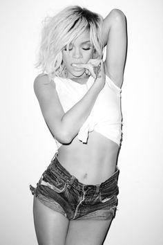 I freaking love Rihanna