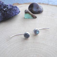 Labradorite ear pins 🔮 // blueandblueshop.etsy.com