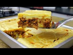 A MELHOR TORTA DE LIQUIDIFICADOR QUE EU JÁ FIZ FÁCIL E RÁPIDA - YouTube Pasta, Tasty Dishes, I Love Food, Just In Case, Main Dishes, Brunch, Food And Drink, Pie, Banana