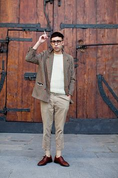 http://www.thesartorialist.com/photos/on-the-street-the-fortezza-florence-4/    I generally dislike light color schemes, but this one is nice.