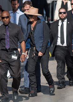 Johnny Depp Photos - Johnny Depp leaves the set of 'Jimmy Kimmel Live' on May 18, 2017. - Johnny Depp Leaves the Set of 'Jimmy Kimmel Live!' in Los Angeles