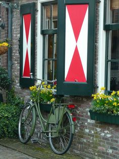 Volendam, North Holland, Netherlands - I painted my shutters like this out at Windsong Acres Farm