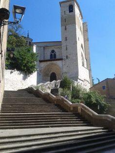 Iglesia de San Pedro #Estella (Navarra) Building, Travel, Cities, Viajes, Buildings, Destinations, Traveling, Trips, Construction