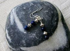 Lapis lazuli oorbellen met leuke zilverkleurige door EASTERNSOULS