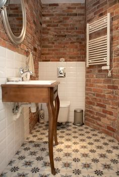 Home Decor Decoracion Tutaj znajdziesz zdjcia piknie zaaranowanych wntrz Brick Bathroom, Small Bathroom, Ideas Baños, Modern Farmhouse Bathroom, Toilet Design, Living Room Remodel, Vintage Design, Bathroom Interior Design, Minimalist Decor