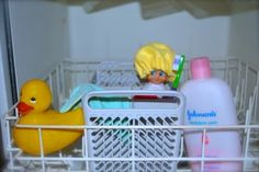 Elf on the Shelf is showering in the dishwasher....Brilliant