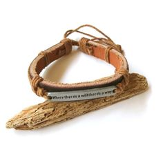 Pulsera de cuero con chapa MANGALA Bisuteria artesanal