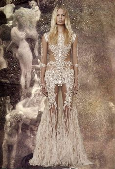 ubicouture:  GIVENCHY HAUTE COUTURE X GUSTAV KLIMT  I would love to get married in something like this.
