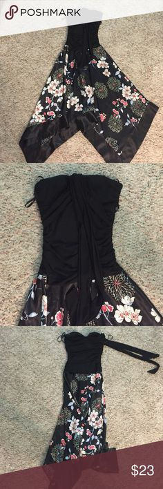 Long dress Long dress that can be used for any nice occasion, the skirt part is satin I.N. Dresses Strapless