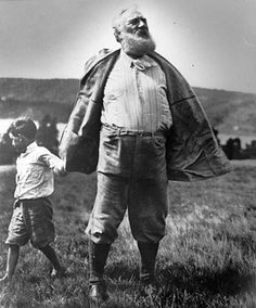 Alexander Graham Bell with his grandson walk in a Canadian park. Photo: Parks Canada/Alexander Graham Bell National Historic Site
