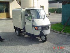 Arrivée du Piaggio Ape 50. Le 09.09.2011