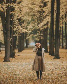 "Polubienia: 4,443, komentarze: 58 – Karolina Baszak (@karolinabaszak) na Instagramie: ""Autumn paints in colors that summer has never seen fot. @aniafotoannmioduszewska #autumn…"" Japan Outfit Winter, Winter Travel Outfit, Winter Fashion Outfits, Fall Outfits, Autumn Fashion, Travel Ootd, Autumn In Korea, Korea Winter, Nami Island Autumn"