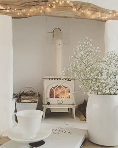 30 Best Wood Stove Decor Ideas For Your Living Room – Homely Wood Stove Decor, Muebles Shabby Chic, Deco Retro, Style Deco, Home And Living, Small Living, Living Room With Stove, Room Inspiration, Ideal Home