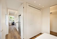 La propuesta del blog Addarq para nuestro reto Small&LowCost es un pequeño apartamento en la ciudad de Tel Aviv.