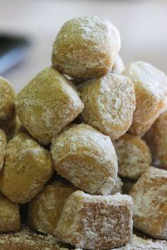 Ähnliche BeiträgeCokoladne Kocke - Kroatische SchokoquadrateBlinyrezept entfällt diese WocheDie gesunde Wildkräuter-KüchePresidential Cookie Poll 2016 - Amerika wählt sein Lieblings-Präsidenten-CookieHinterlasse einen Kommentar mit Facebook