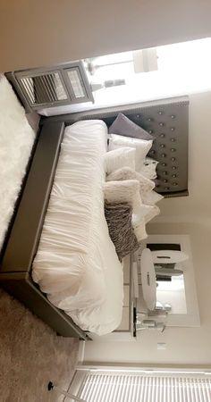 Room Design Bedroom, Room Ideas Bedroom, Home Bedroom, Bedroom Decor, First Apartment Decorating, Girl Apartment Decor, Apartment Ideas, Decor Home Living Room, Dream House Interior